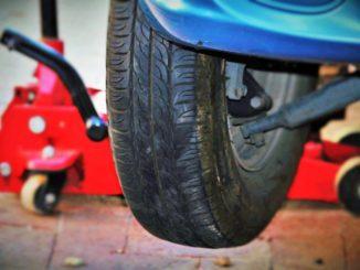 Přezutí pneumatik v pneuservisu