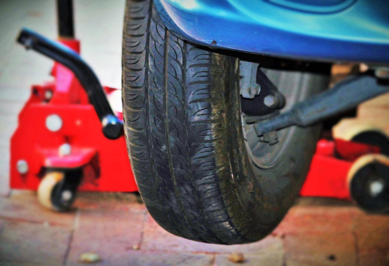 auto-tires-1317038_1280