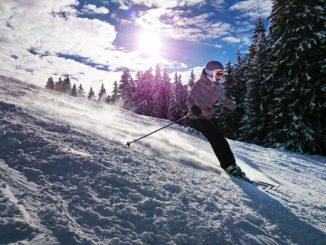 skiing-1723857_1280