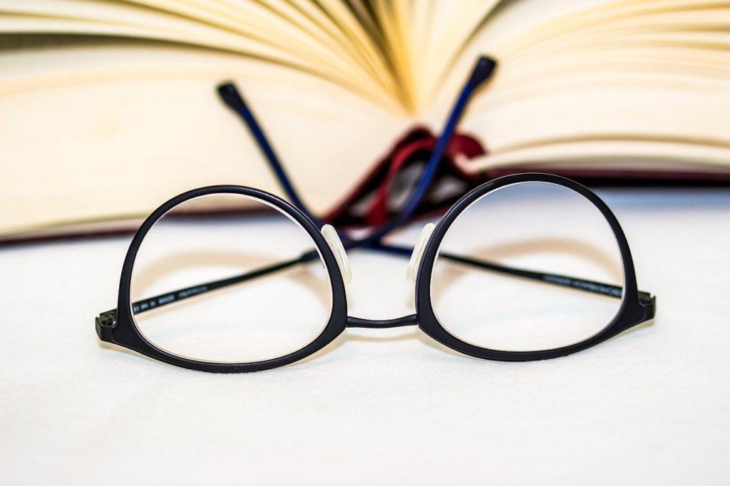 glasses-1934296_1280